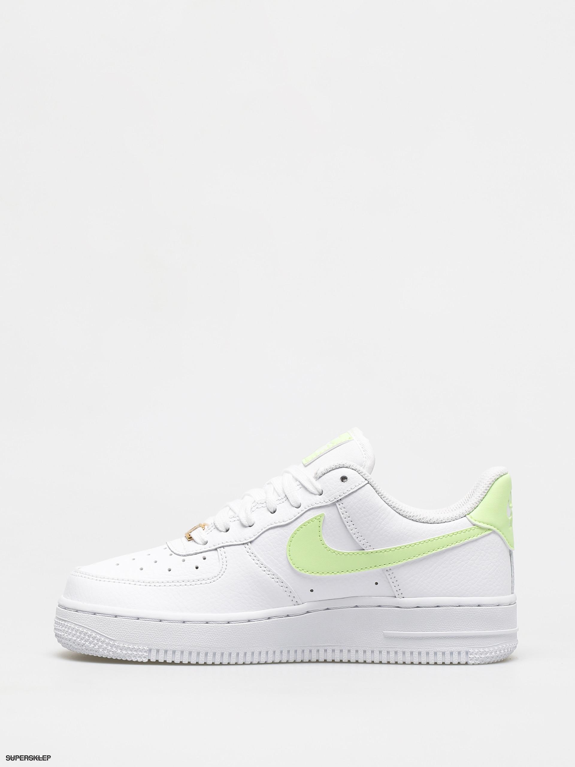 Buty Nike Air Force 1 07 Wmn (whitebarely volt white white)
