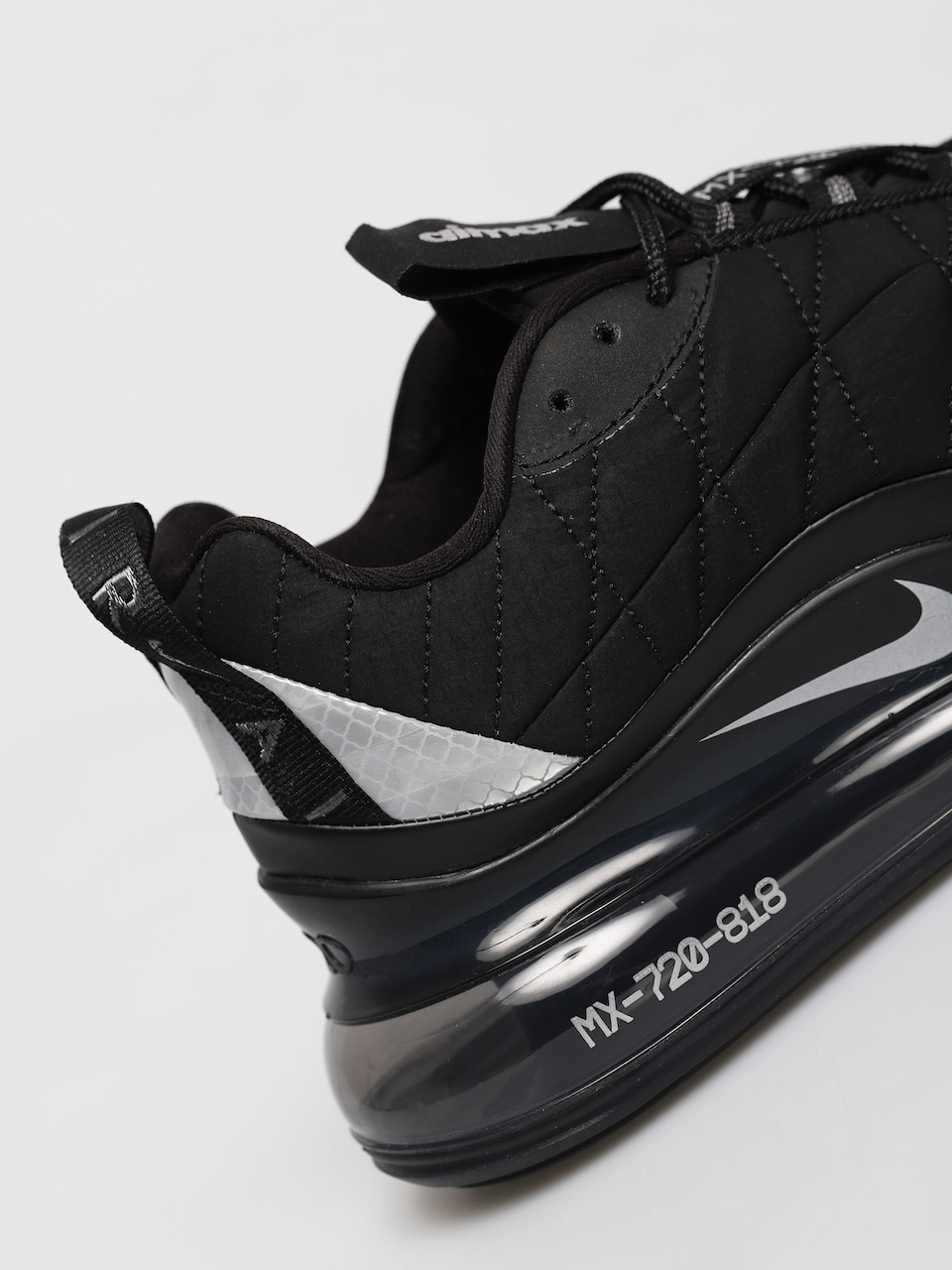Buty Nike Mx 720 818 Wmn (blackmetallic silver black anthracite)