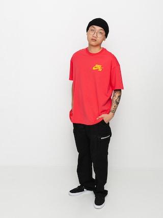T-shirt Nike SB Left Chest Script (lt fusion red/university gold)